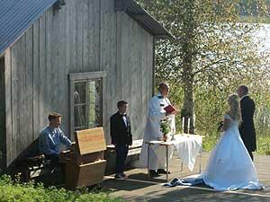 Frägsta Hälsingegård bröllop - Vigsel vid bryggan
