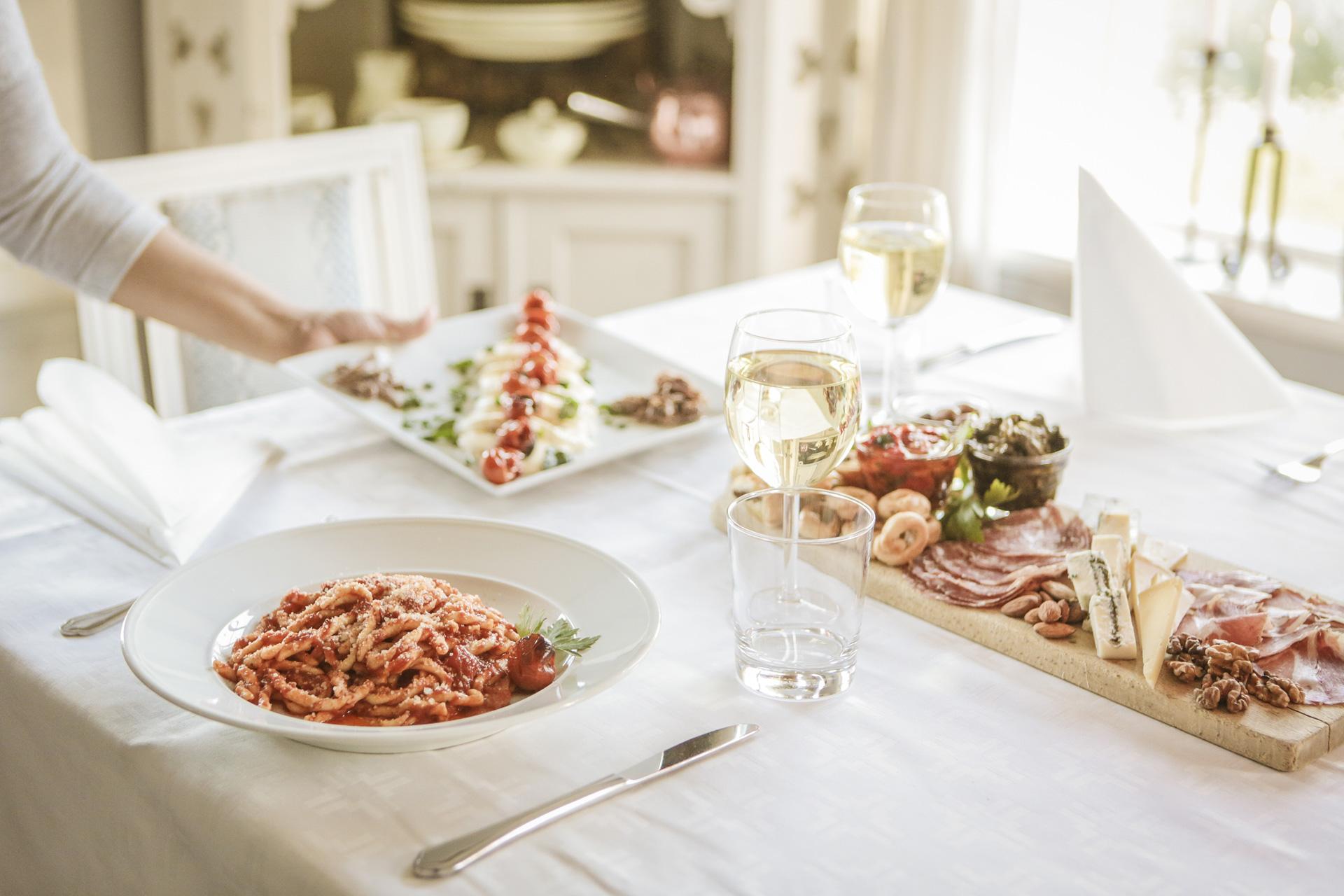 matsal-middag-serving