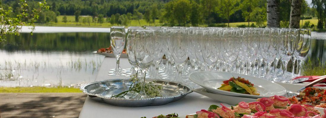Frägsta Hälsingegår bröllp - BRygga välkomstdrink